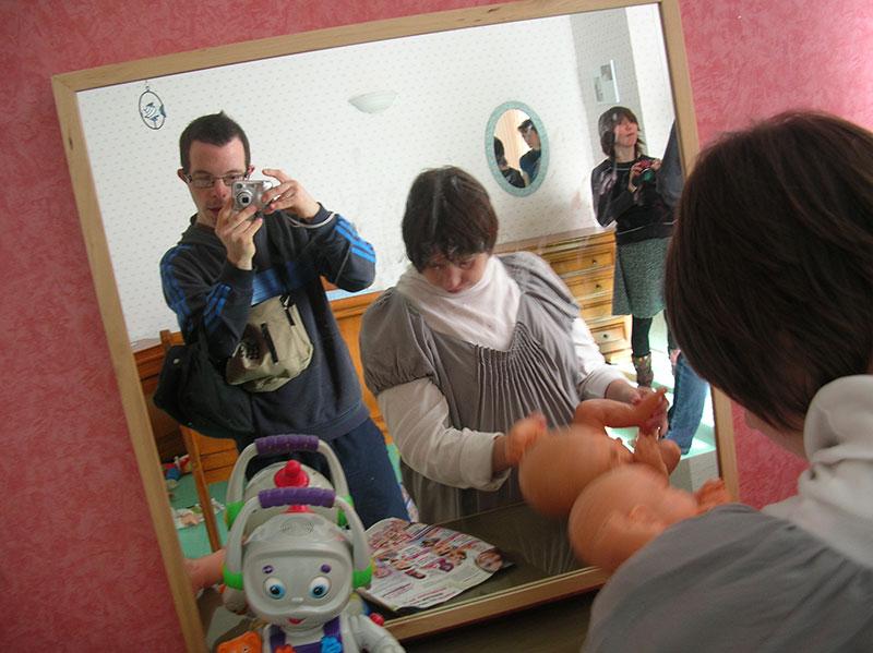 Atelier « imagiers sonores » mené par Sandra Edde en 2013 auprès des résidents du foyer Eugénie Marie (La Neuville du Bosc)
