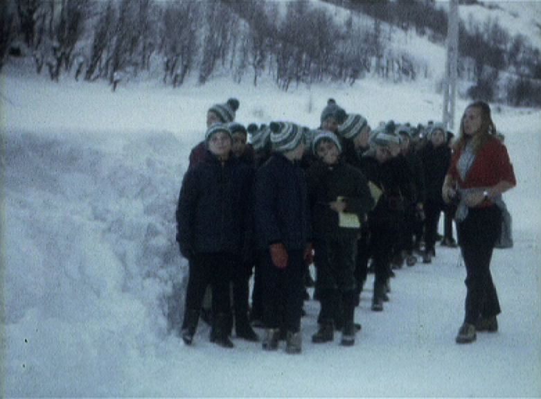 « Classes de neige» de Marcel Beuzelin, 1968, 8mm, couleur, muet © MAHN/POLE IMAGE HAUTE-NORMANDIE